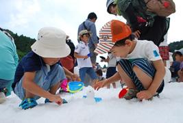 六甲山カンツリーハウス 「真夏の雪まつり