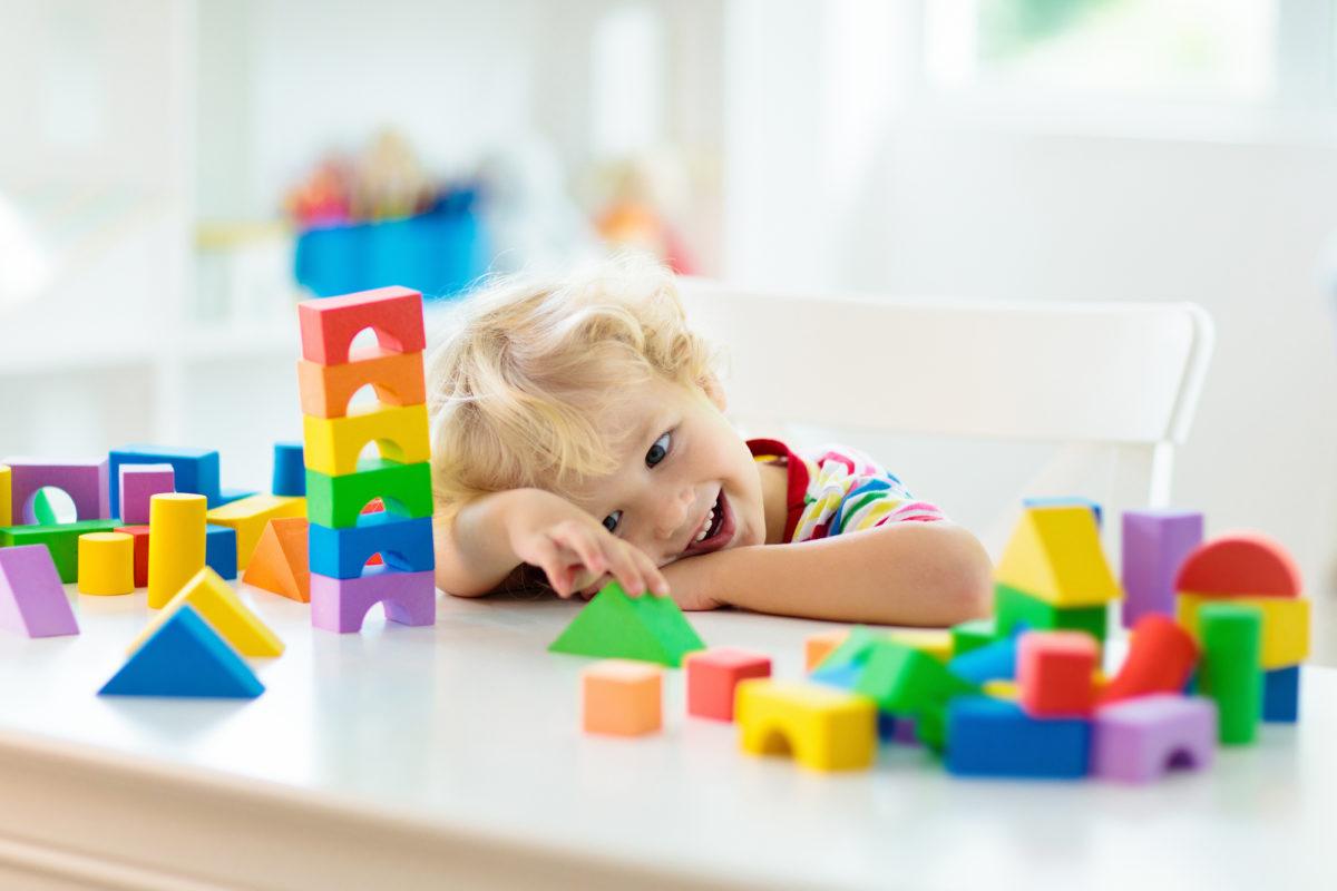 空間認識力を養うためのおもちゃ
