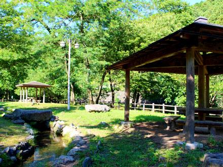 ヤマメの里親水公園 埼玉 川遊びスポット