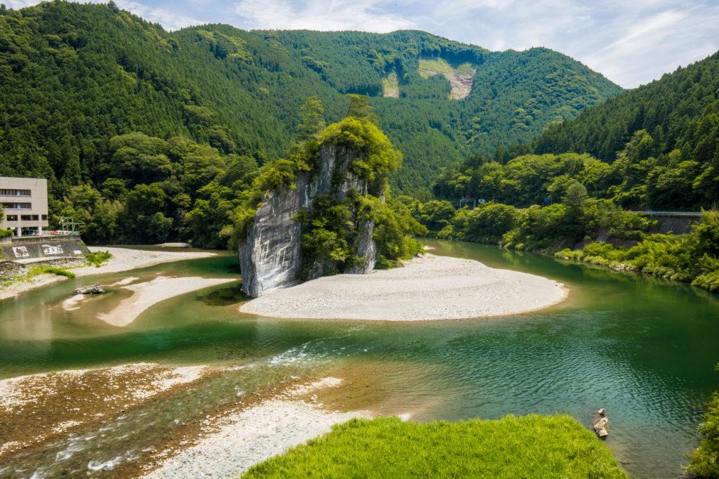 愛媛県  ツーリングコースとキャンプ場