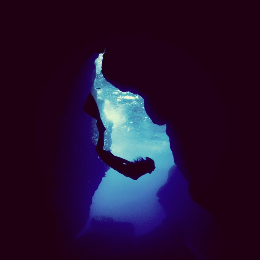 フリーダイビング×旅番組「SWEET BLUE」