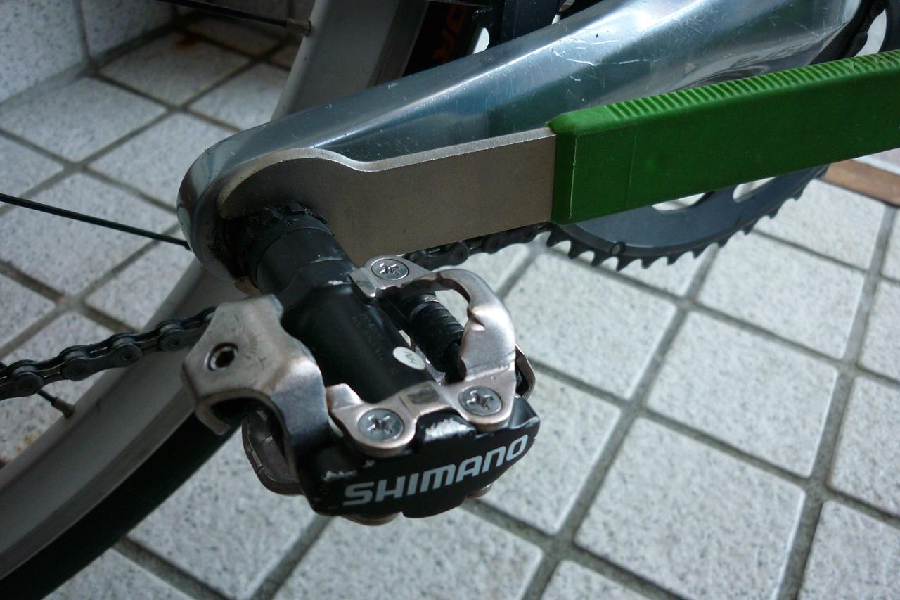 ロードバイクのペダルの外し方