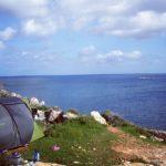 絶景ロケーションが魅力!海辺キャンプの心得と注意点とは?