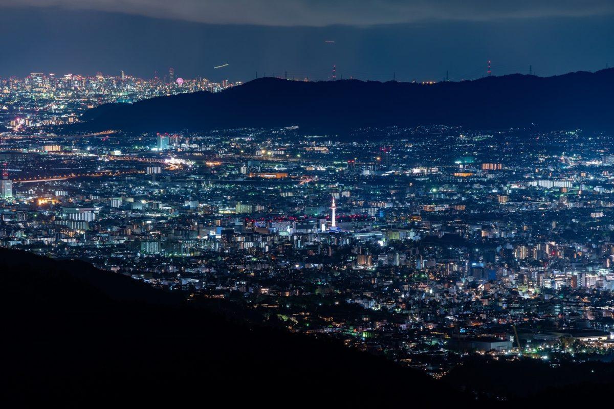 「比叡山プレミアムナイトバスツアー」を 8月に開催【ふもとより約5度涼しい比叡山で 京都・大阪・滋賀1000万ドルの夜景と庭園散策】