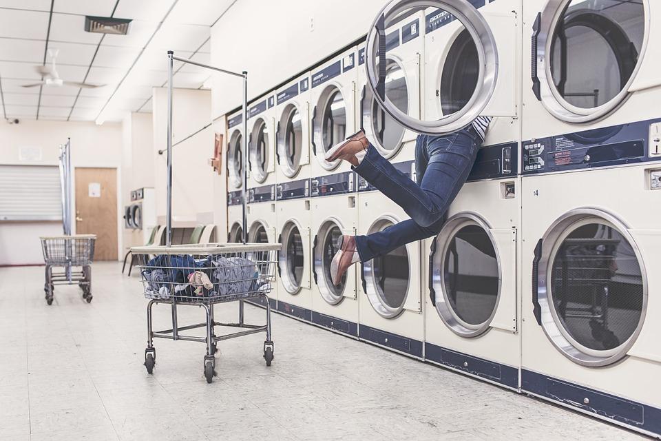 寝袋の洗濯は洗濯機でOK!?寝袋の清潔&快適お手入れ術