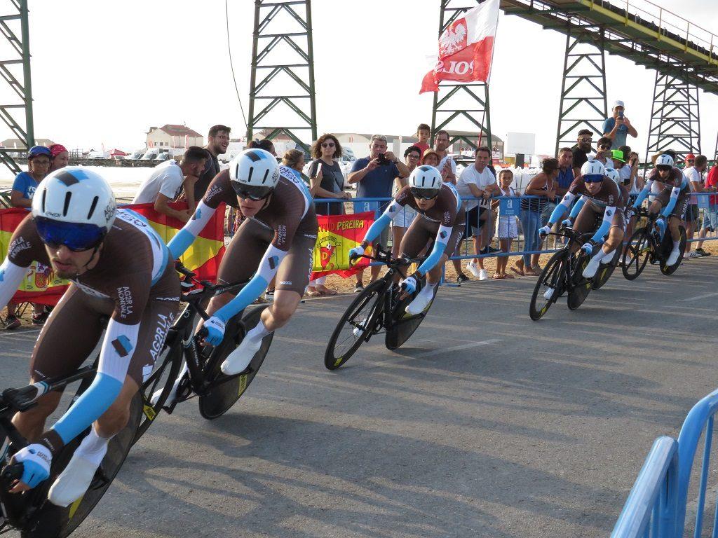 第1ステージのレース中