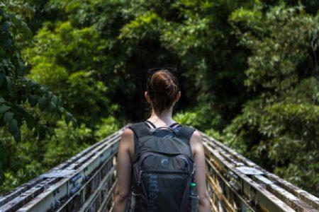 トレッキングとハイキングの違いは目的の違い?おすすめコースもご紹介