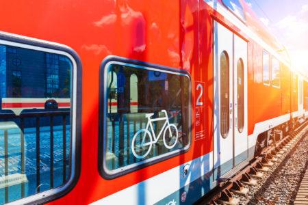 輪行でサイクリングの幅を広げよう!ロードバイクと電車に乗る輪行の方法