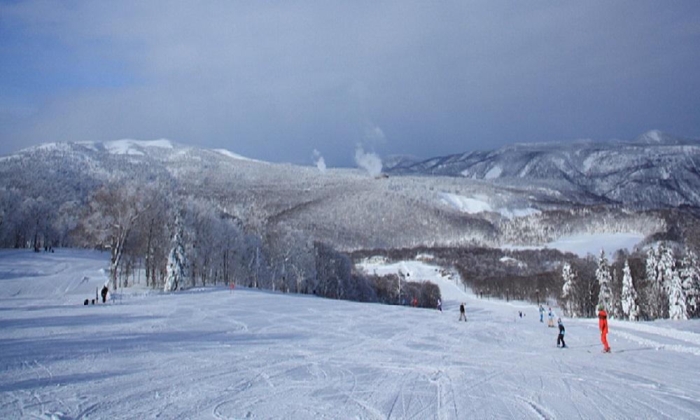 秋田八幡平スキー場 11月中オープン
