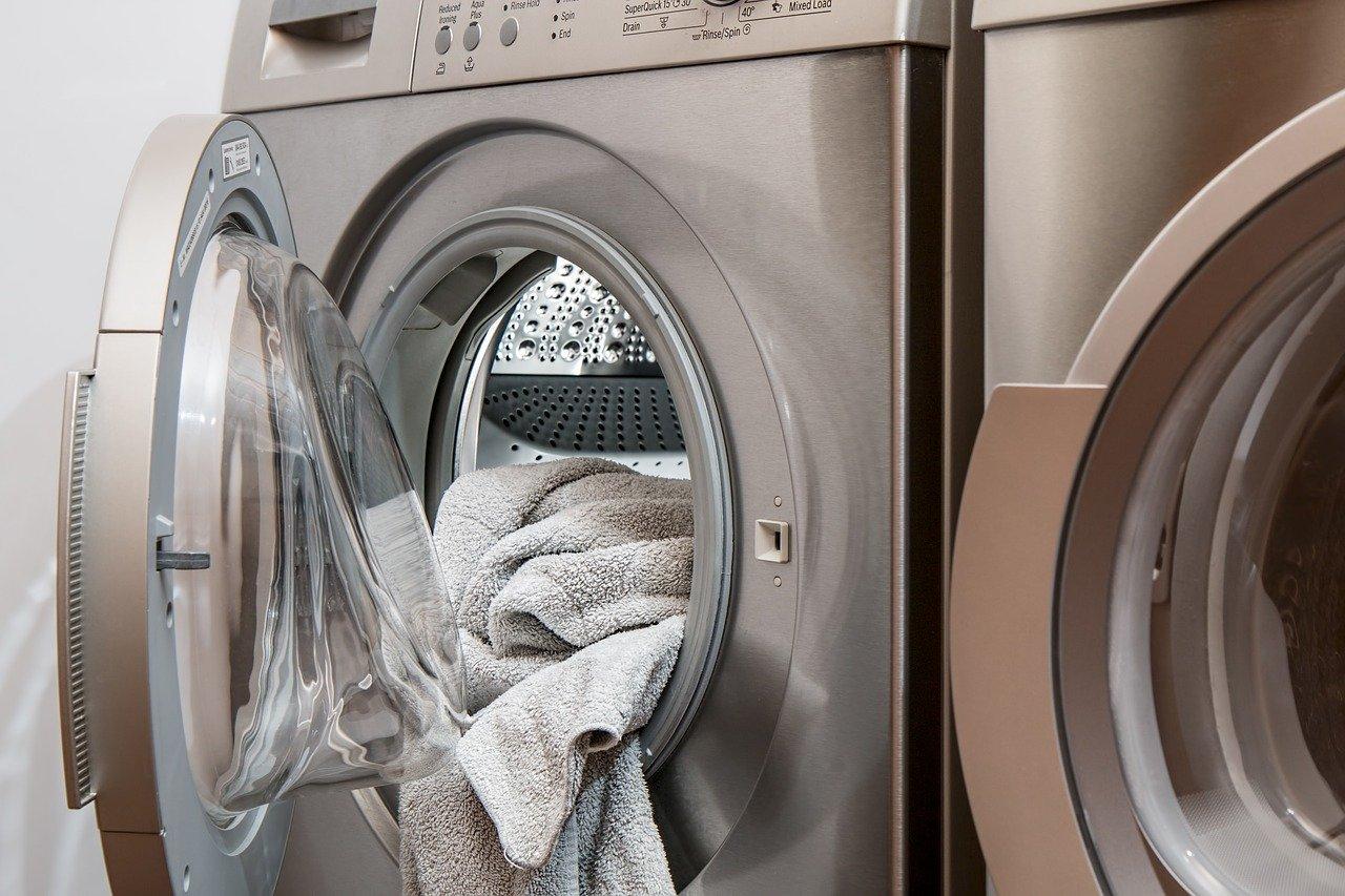 スキーウェアの洗濯の方法と保管方法