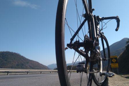 ロードバイクのクリンチャーとは?クリンチャータイヤの特徴とおすすめ商品