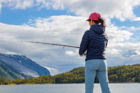 釣り女子必見!冬の服装選びのポイントとおすすめを紹介