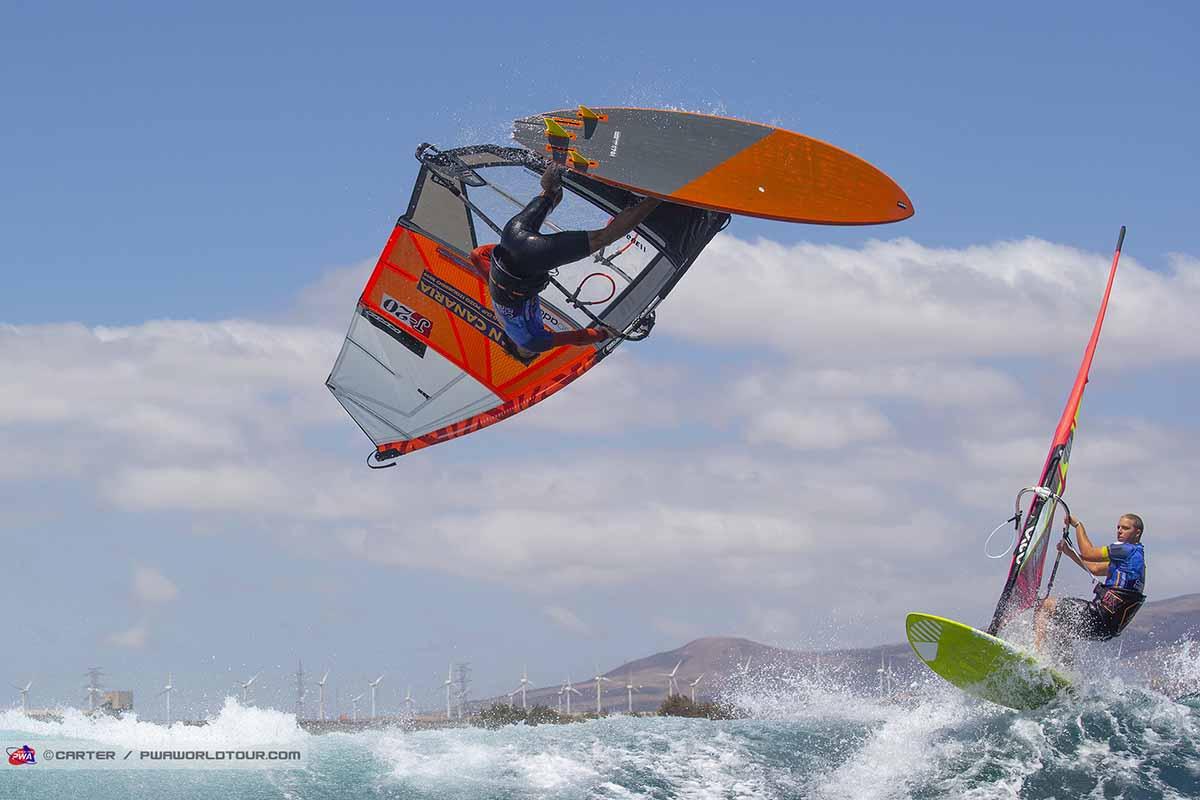 ウィンドサーフィン競技 ウェイブパフォーマンス