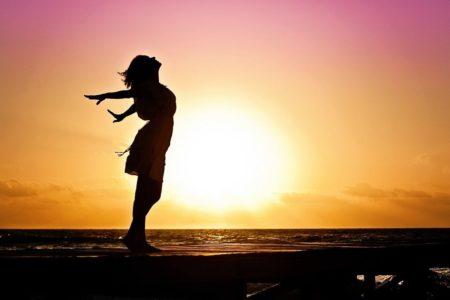 美白サーフ女子必見!日焼け止めだけじゃない日焼け対策アイテム11選