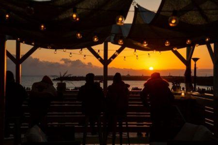 "The BEACH BURGER HOUSE 元日の日の出時間にオープン【~日本でいちばん""美味しい""リゾートへ~ 令和最初のご来光をフォトジェニックな空間で】"