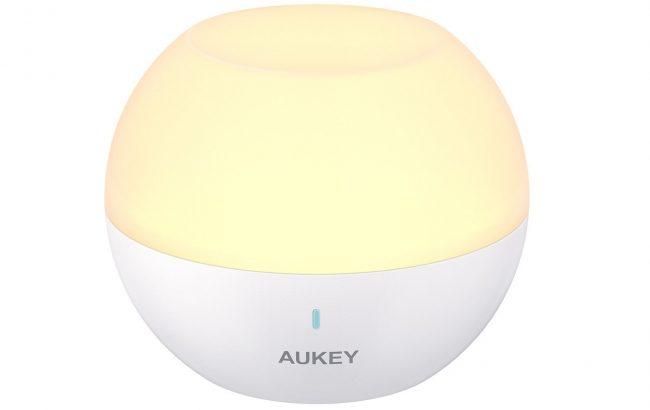 AUKEYのマルチライト(LT-ST23)23% オフ【アウトドア・インドアでも使える防水機能を備えたUSB充電式のナイトライト】