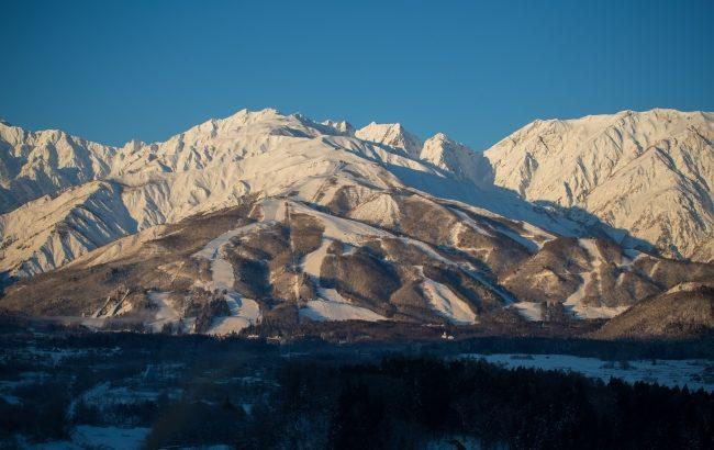 白馬八方尾根スキー場、絶景にダイブできる上級者コース『TENBO』を開放