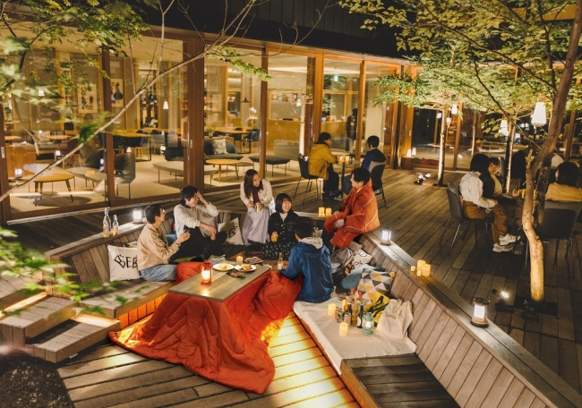 アウトドアリビングこたつ(EQUALS)と着る電気毛布をTAMARIBA(星野リゾートBEB5 軽井沢)