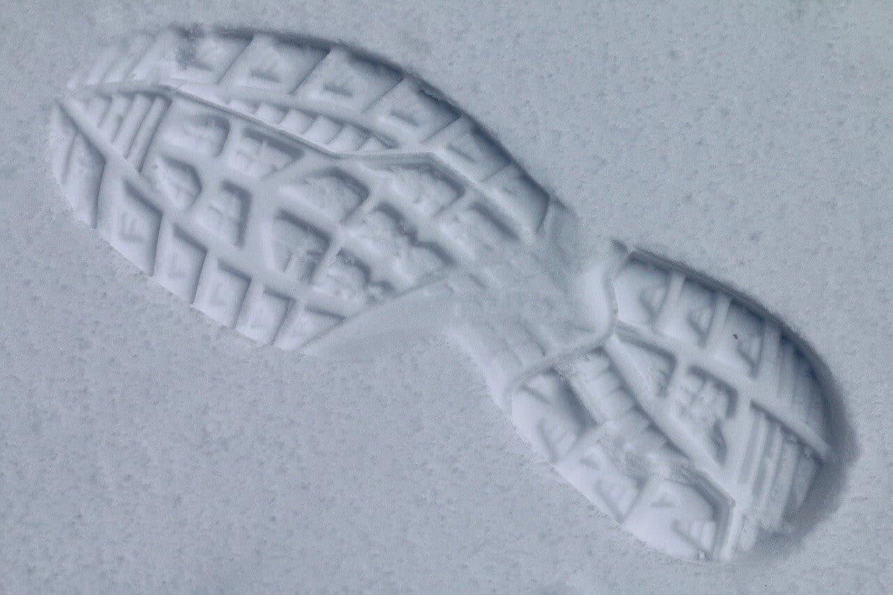 雪 トレイルランニング シューズ