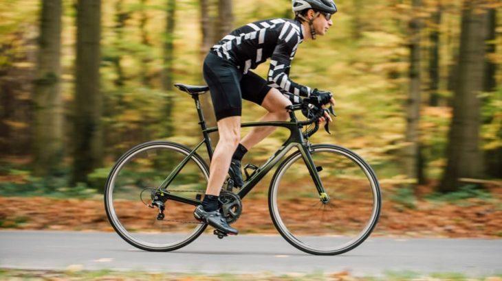 性能アップのカスタマイズ!ロードバイクの軽量化効果の高いパーツ