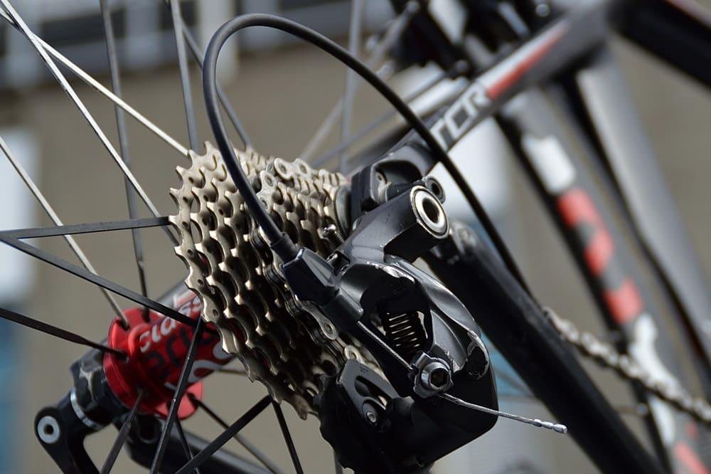 ロードバイク 軽量化