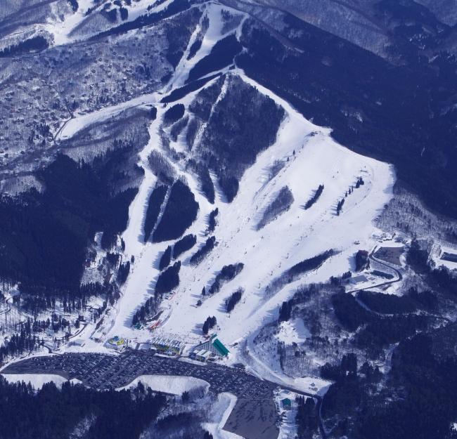 スノーリゾート「鷲ヶ岳スキー場」