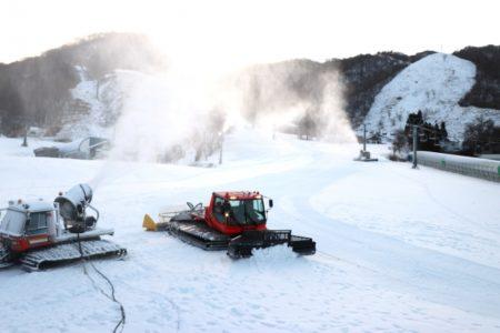 滋賀県のスキー場「グランスノー奥伊吹」が待望のオープン