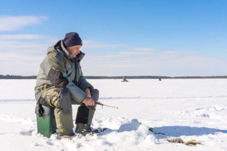 冬場の釣りは強力アウターが必須!おすすめ防寒ウェア10選
