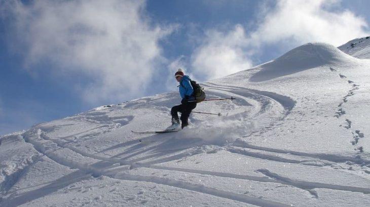 ファットスキーで新雪を滑ろう!選ぶポイントとおすすめを紹介します