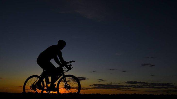 安全快適にナイトライド!ロードバイクのナイトライド用おすすめ装備13選