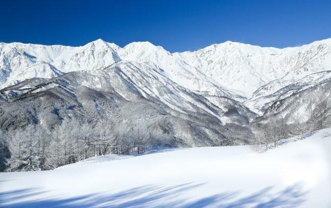 栂池高原スキー場、国内外からのバックカントリーの需要増加で2月22日より栂池パノラマウェイの早期運行を開始