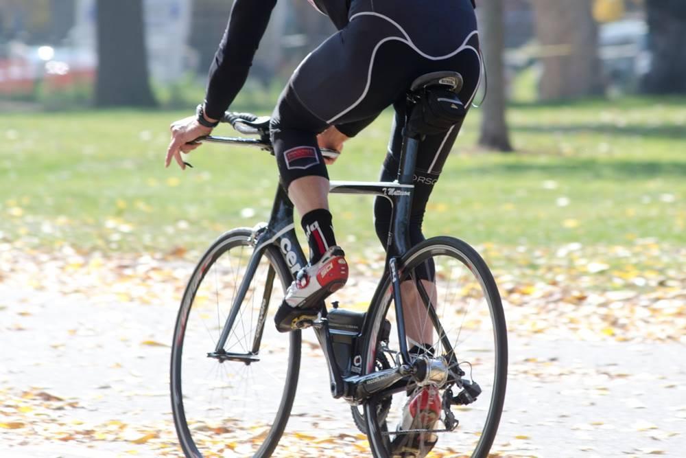 ロードバイク 膝