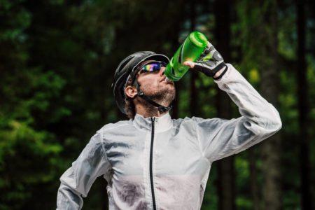 サイクリングで喉が乾いた!ロードバイク乗りが選ぶべきドリンクとは?