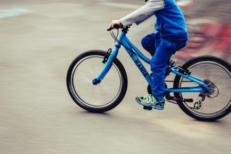 子どもたちの間でマウンテンバイクが熱い!最適な1台の選びかたを徹底解説