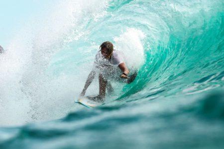 サーフィンを始めるなら春がおすすめ!春に最適なウェットスーツの選び方とは?