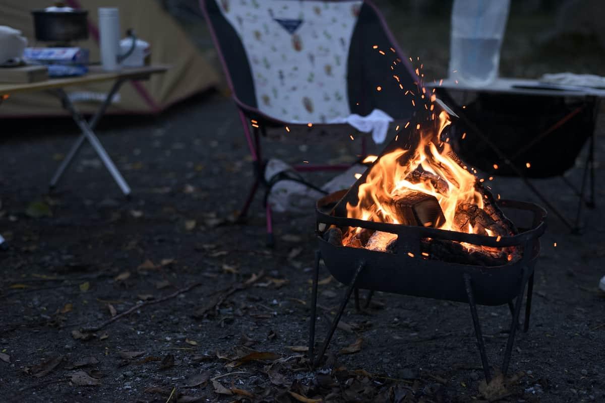 ソロキャンプ  焚き火台