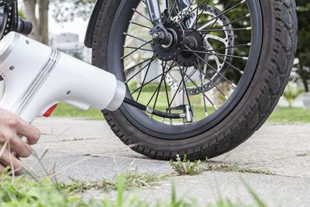 自転車に使える小型コードレス電動空気入れ「HUODE」【空気圧の高いロードバイクでも対応可能!】