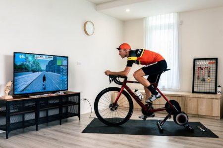 おうち需要にマッチした自転車用スマートトレーナー「Xplova  NOZA S」販売