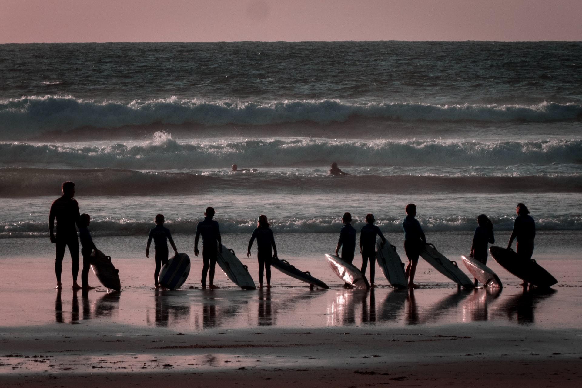 【関東】サーフィンスクールを選ぶポイント!サーフィン上達への近道はスクール選びから