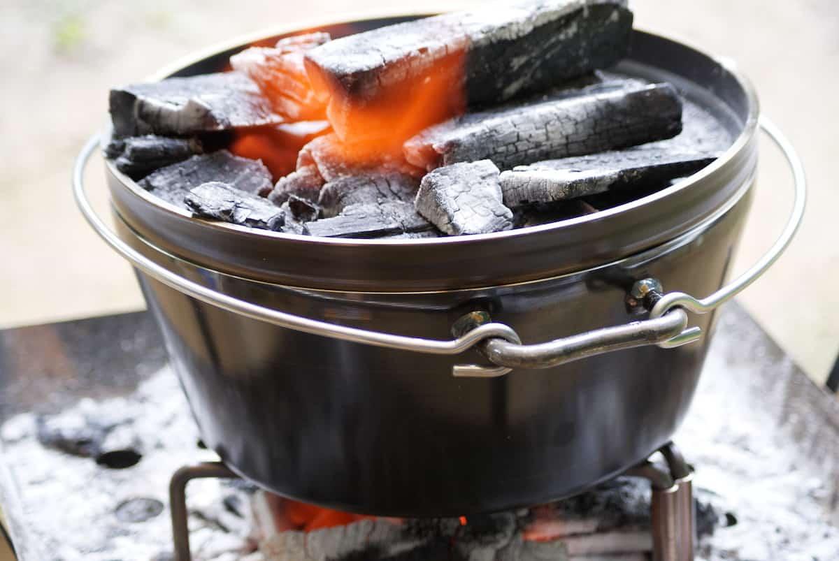 キャンプ飯 ダッチオーブン