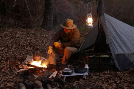 キャンパー「Mr SYU」さんのようなソロキャンプ に必要なアイテムとは?
