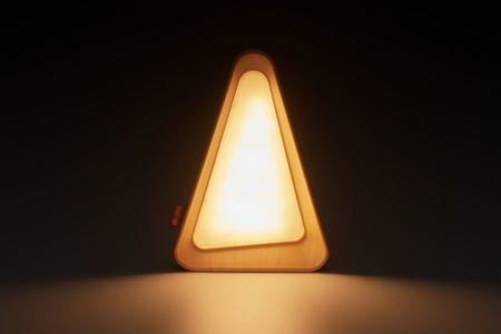 LOGOS(ロゴス)ライトを伏せると自動で消灯、倒して調光のLEDランタン「アクションスイッチ・テトライト」発売