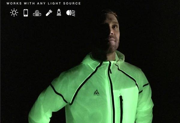 光で文字が書ける!?夜ランニングをもっと楽しく安全にする発光ホタルジャケット