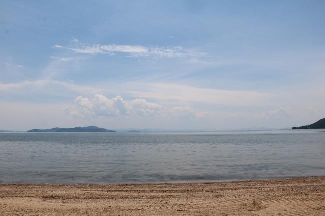 ビーチグランピング「グランドーム滋賀高島」
