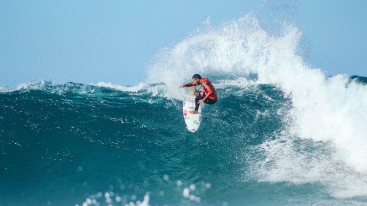 【初級編】初心者サーファーは知っておくべきサーフィンのカッコいい技・練習方法