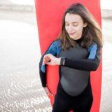 サーフィンにおすすめの防水機能付きスマートウォッチをご紹介します!