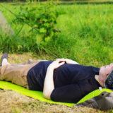 SunRuckのキャンピングマットはエアー枕付きで地面の凹凸を吸収!