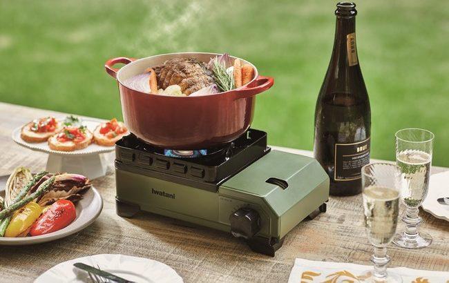 キャンパー必見!アウトドア用カセットコンロ「カセットフー タフまるJr」は風に強くダッチオーブンも使える!