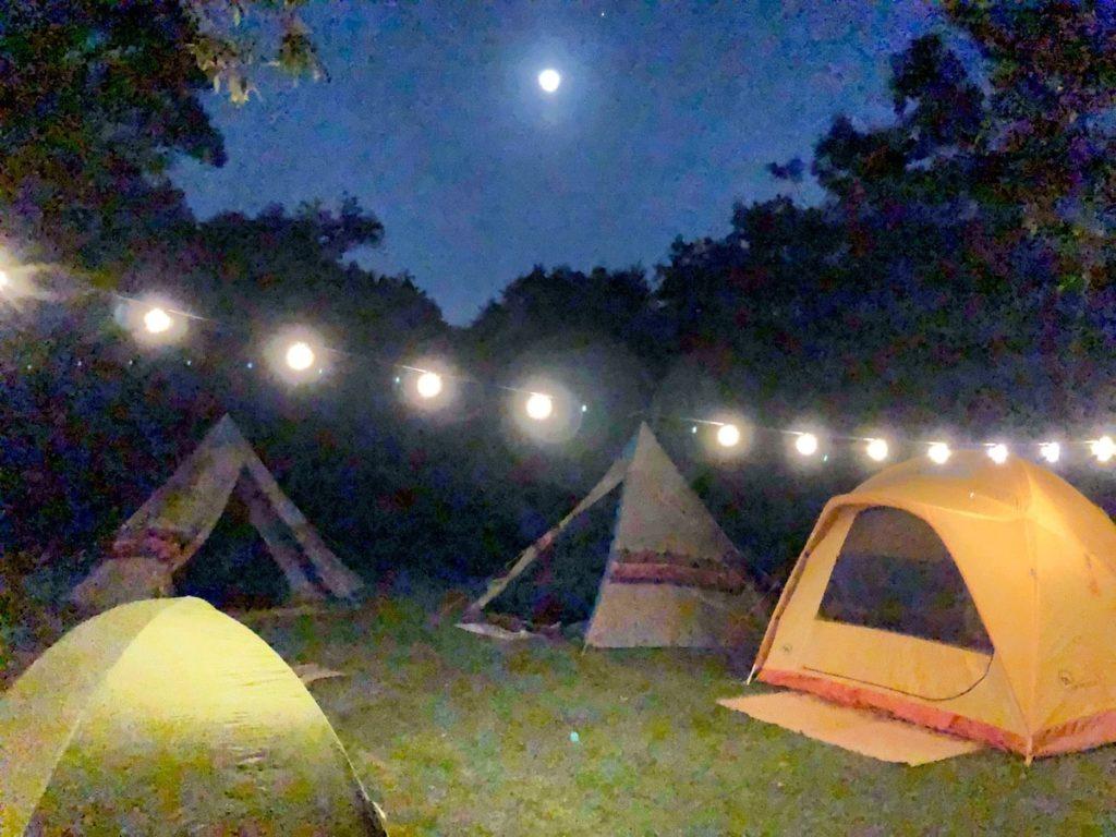 キャンプ 飾り付け