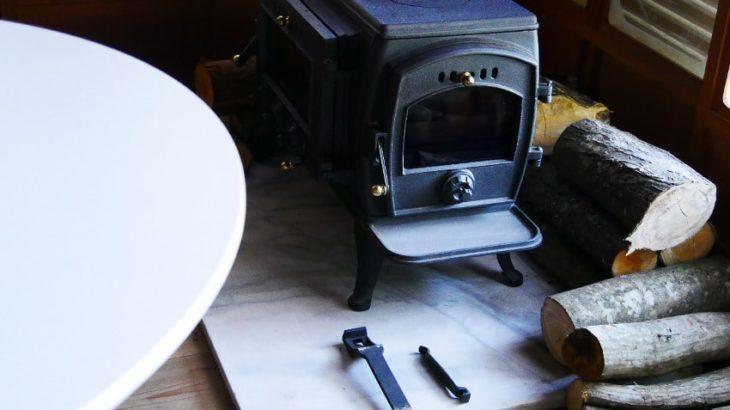 コメリのオリジナル薪ストーブ「306A」を設置から使用方法を徹底レビューします